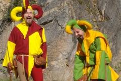 sketchs de troubadours pendant un spectacle médiéval