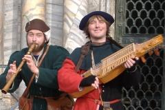 ménestrels jouant  de la flûte et du nyckelharpa