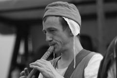 troubadour jouant de la flûte